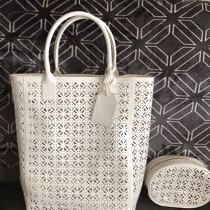 Tory Burch summer tote with matching cosmetic bag